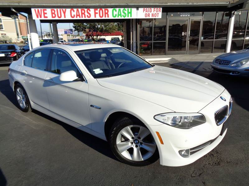 2013 BMW 5 SERIES 528I 4DR SEDAN white 2-stage unlocking doors abs - 4-wheel active head restra