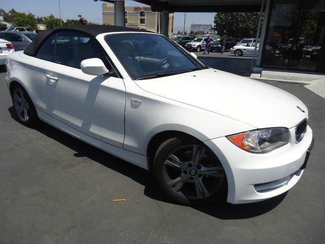 2011 BMW 1 SERIES 128I 2DR CONVERTIBLE SULEV white convertiblelow miles leather interior