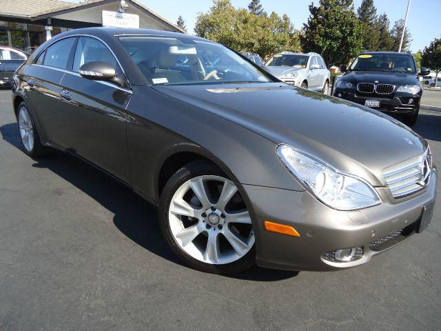 2008 MERCEDES-BENZ CLS-CLASS CLS550 4DR SEDAN gold california owned luxury and sport package l