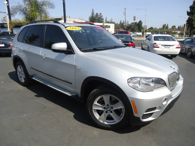 2012 BMW X5 XDRIVE35D AWD 4DR SUV silver 2-stage unlocking - remote 4wd type - full time abs -