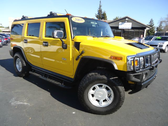 2003 HUMMER H2 LUX SERIES 4WD 4DR SUV yellow well maintained vehicle low miles  4x4 3rd