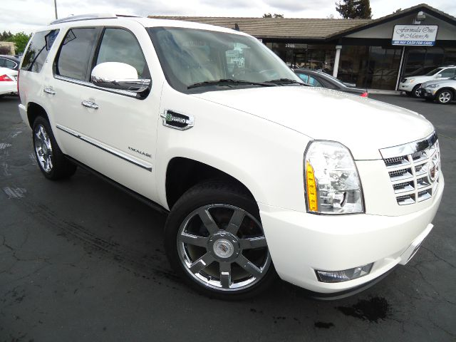 2010 CADILLAC ESCALADE HYBRID 2WD white diamond tricoat power retractable assist steps - side plat