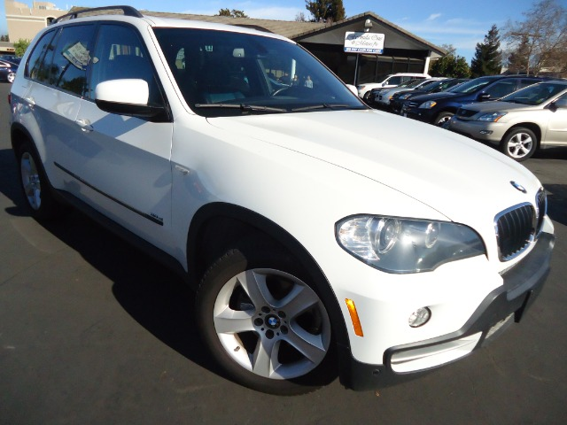 2007 BMW X5 30SI unspecified white on black perfect color combo great driving suv the only suv t