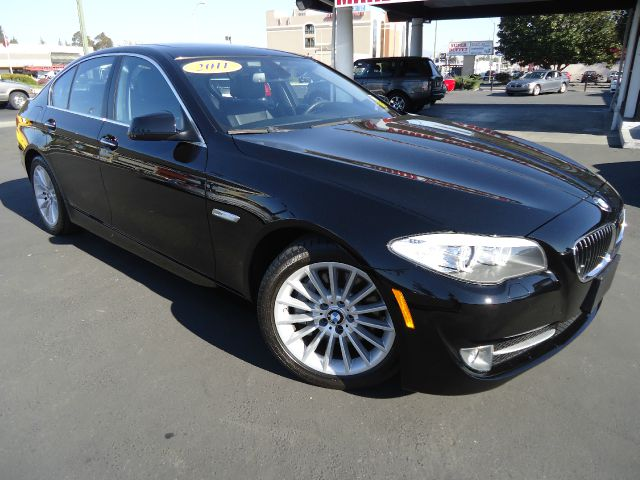 2011 BMW 5 SERIES 535I jet black this 5 series is completely equ navigationprem package    ret