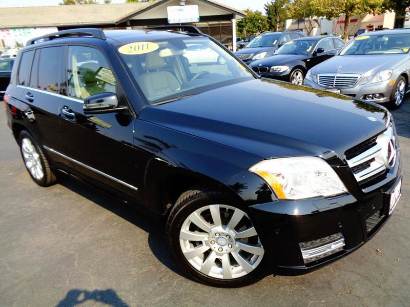 2011 MERCEDES-BENZ GLK GLK350 4DR SUV black fully loaded  clean carfax  navigation  rear