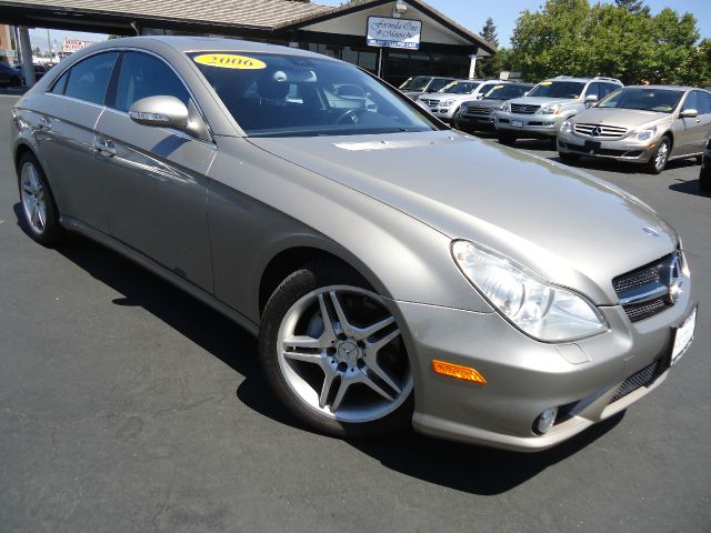 2006 MERCEDES-BENZ CLS-CLASS CLS500 4DR SEDAN champagne celan carfax california car performa