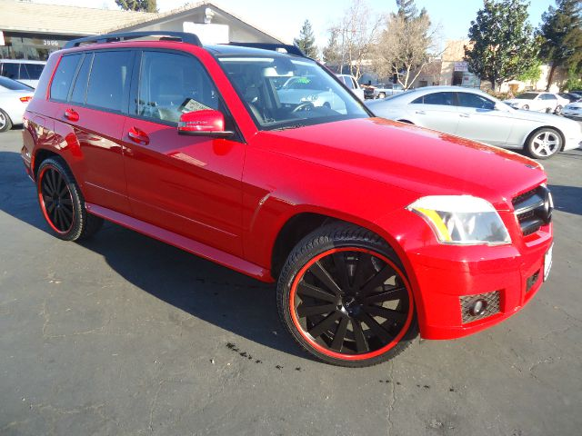 2010 MERCEDES-BENZ GLK-CLASS GLK350 4DR SUV red beautiful color combination  red on black5-