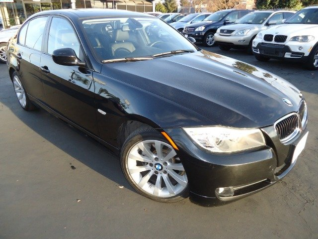 2011 BMW 3 SERIES 328I NAVIGATION jet black navigation clean carfax sporty must come and test driv