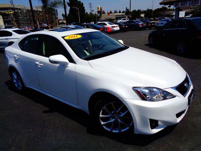 2011 LEXUS IS 250 4DR SEDAN 6A white clean carfax extra reliable luxurious  automatic with