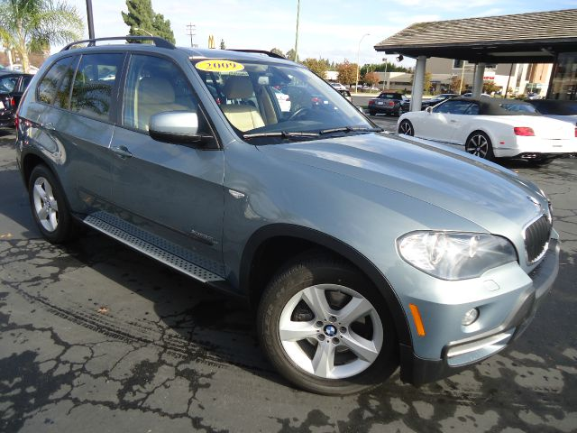2009 BMW X5 XDRIVE30I AWD 4DR SUV gray looking for a midsize safe suv look no further this 20
