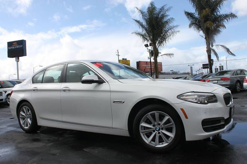 2014 BMW 5 SERIES 528I 4DR SEDAN white clean carfaxcalifornia vehiclenavigationback up c