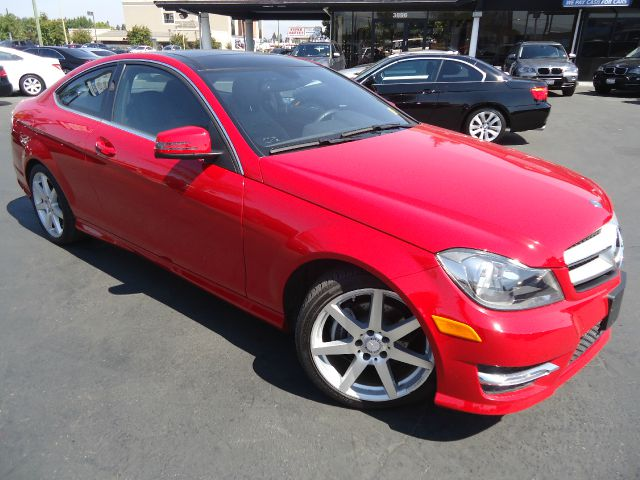 2013 MERCEDES-BENZ C-CLASS C250 2DR COUPE red super low miles like newfully loaded with man