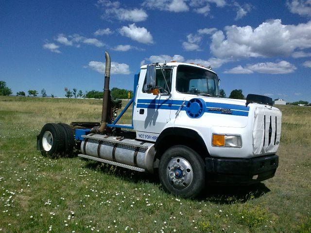 1991 Ford Aeromax L9000 Semi Truck