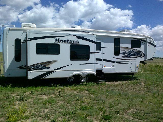 2010 Keystone Montana 37' 5th Wheel