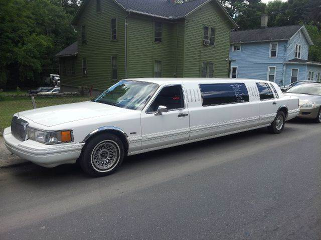 1994 lincoln town car for sale in north dakota. Black Bedroom Furniture Sets. Home Design Ideas