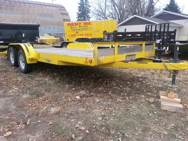 2013 USED 20 FOOT FLATBED