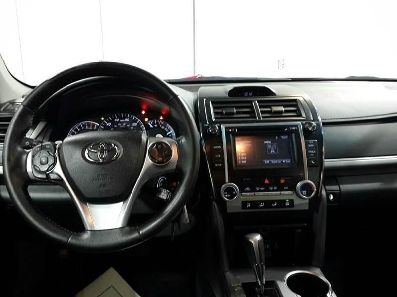 2014 Toyota Camry SE 4dr Sedan - Brockton MA