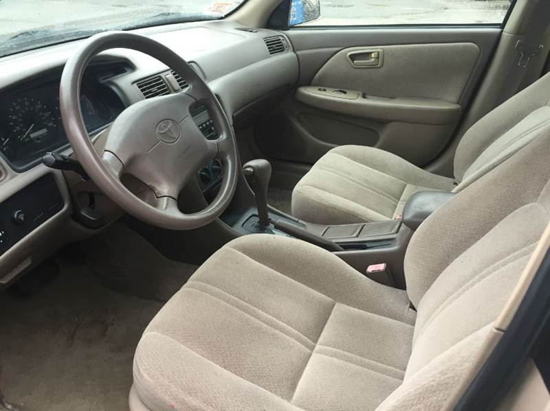 2001 Toyota Camry LE 4dr Sedan - Brockton MA