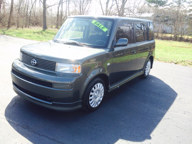 2005 Scion xB