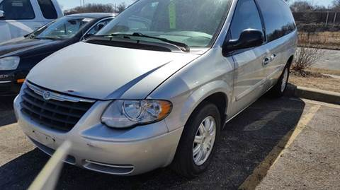 2006 Chrysler Town and Country for sale in Saint Paul, MN