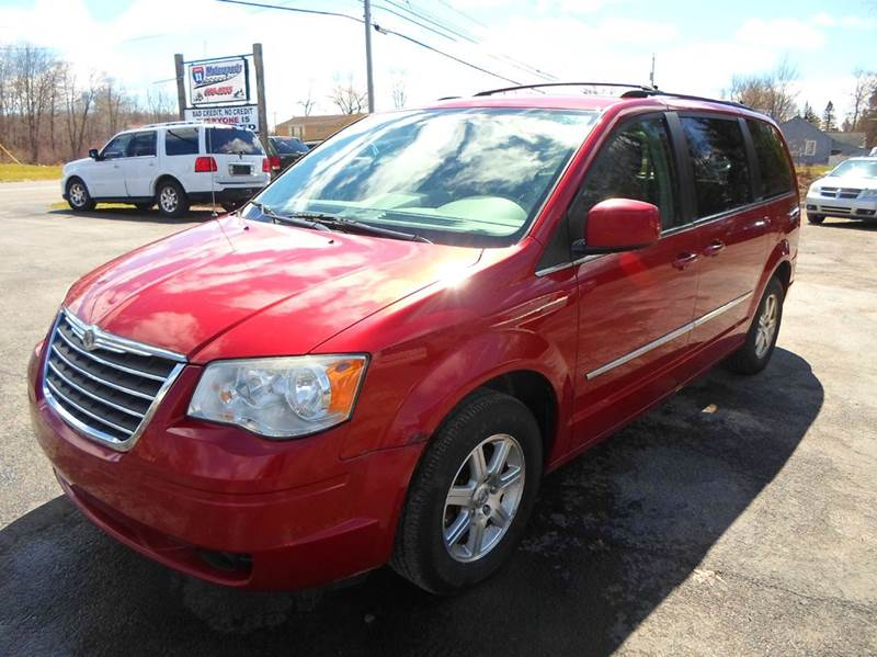 2009 chrysler town and country touring mini van 4dr in central square ny route 11 motor sports. Black Bedroom Furniture Sets. Home Design Ideas