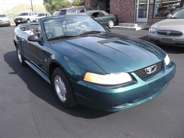 2000 FORD MUSTANG CONVERTIBLE green perfect time of year to enjoy this little beauty 102113 mil