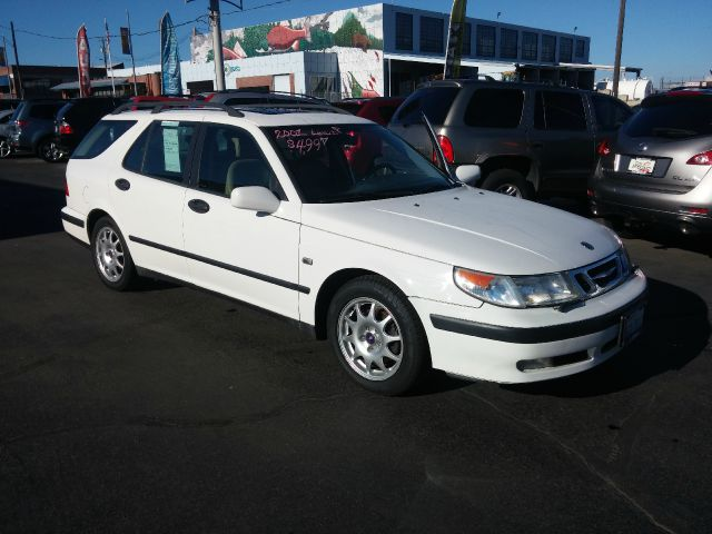 2001 SAAB 9-5 23T 4DR WAGON white harder to find saab 9-5 wagon fully loaded with leather and mor