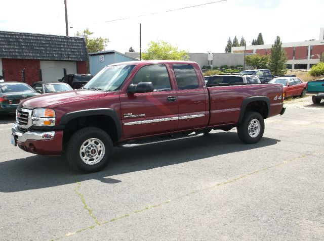 2004 GMC SIERRA 2500HD SLE 4DR EXTENDED CAB 4WD LB maroon if you have been searching for that hard