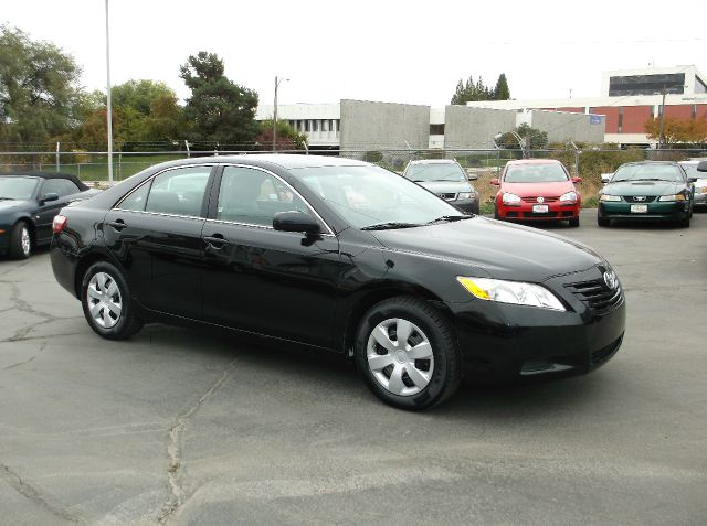 2009 TOYOTA CAMRY XLE 4DR SEDAN black low low miles on this camry you should easily get many year