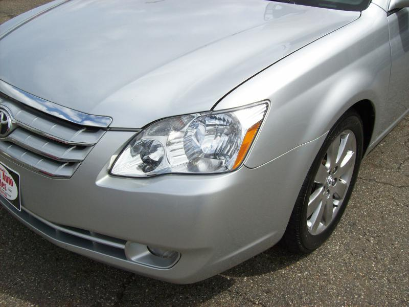 2006 Toyota Avalon XLS 4dr Sedan - Akron OH