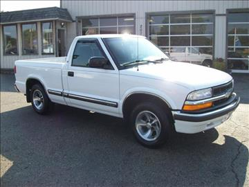 2000 Chevrolet S-10 for sale in Akron, OH