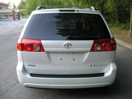 2008 Toyota Sienna XLE Limited 4dr Mini Van - High Point NC
