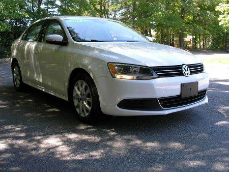 2013 Volkswagen Jetta SE PZEV 4dr Sedan 6A w/Convenience - High Point NC