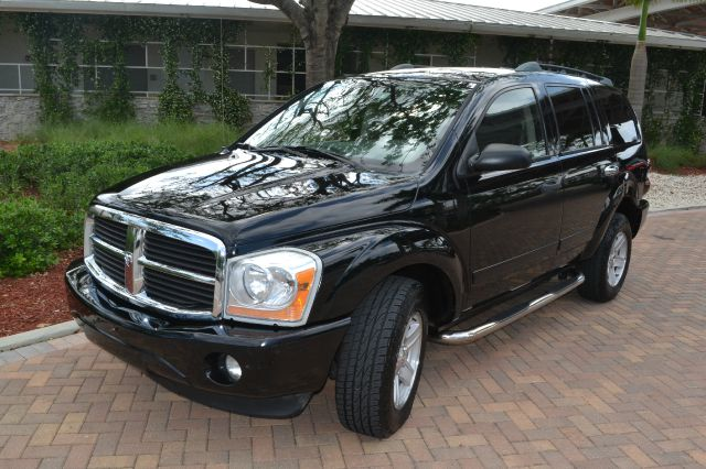 2005 DODGE DURANGO SLT 4WD black we have financing available for all yours financial needs  you j