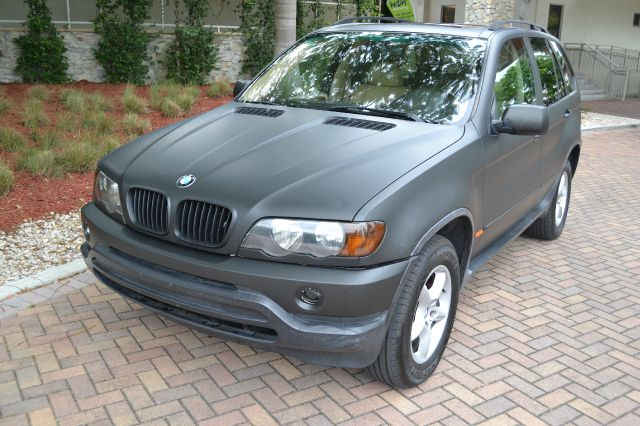 2001 BMW X5 30I gold we have financing available for all yours financial needs  you just come in