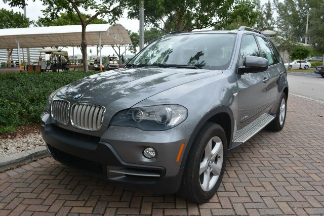 2010 BMW X5 XDRIVE35D AWD 4DR SUV gray dollars plus car truly has the best prices     market pric