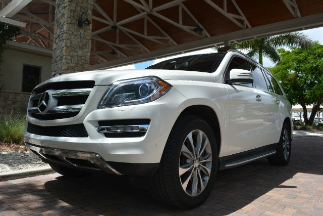 2013 MERCEDES-BENZ GL-CLASS GL450 AWD 4MATIC 4DR SUV white 2-stage unlocking -