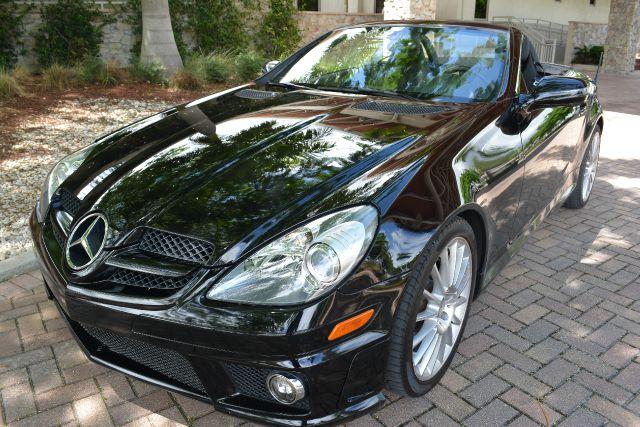 2011 MERCEDES-BENZ SLK-CLASS SLK300 2DR CONVERTIBLE black dollars plus car truly has the lowest pr