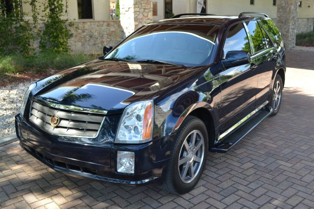 2004 CADILLAC SRX V6 blue we have financing available for all yours financial needs  you just com