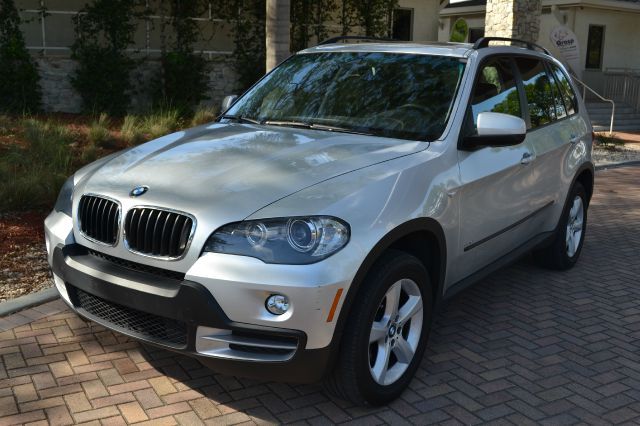 2007 BMW X5 30SI silver we have financing available for all yours financial needs  you just come