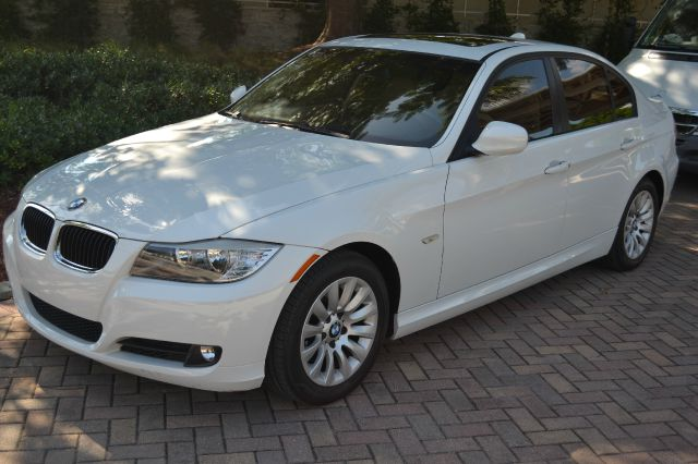 2009 BMW 3 SERIES 328I white we have financing available for all yours financial needs  you just