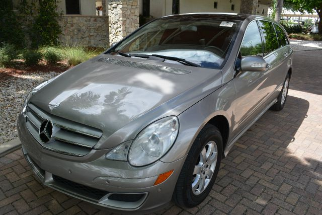 2007 MERCEDES-BENZ R-CLASS R350 AWD 4MATIC 4DR WAGON gold we have financing av