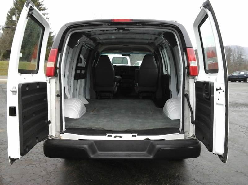 2006 GMC Savana Cargo 1500 3dr Van - Bath NY