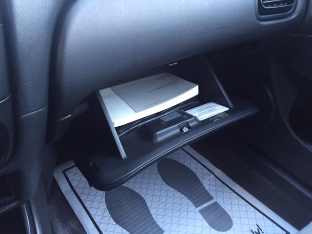 2004 Nissan Sentra SE-R Spec V 4dSedan - Johnston IA