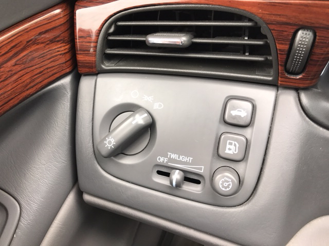 2005 Cadillac DeVille Base 4dr Sedan - Johnston IA