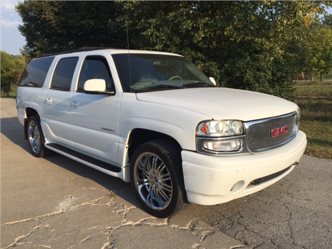 2002 GMC Yukon XL for sale in Johnston, IA