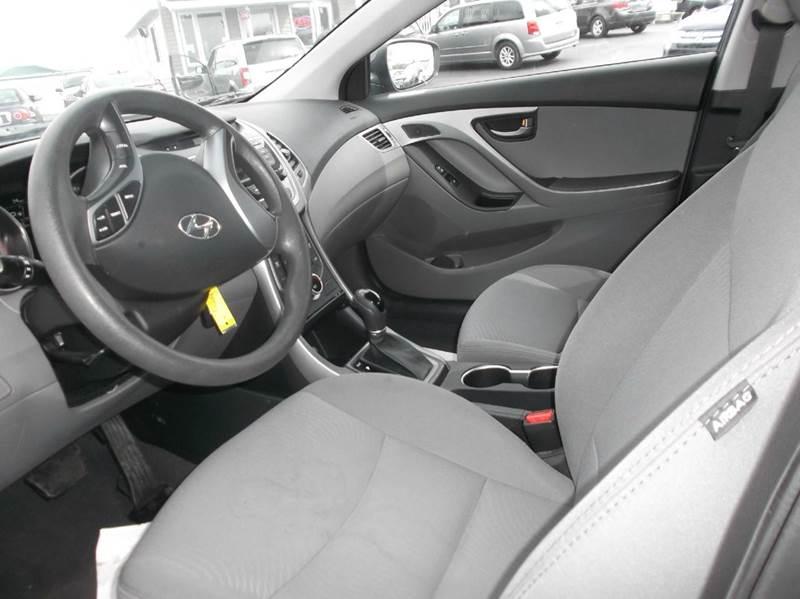 2016 Hyundai Elantra SE 4dr Sedan 6A (US) - Watertown NY