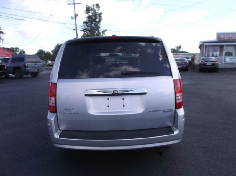 2010 Chrysler Town and Country Touring 4dr Mini Van - Watertown NY