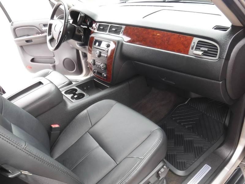 2009 Chevrolet Avalanche 4x4 LT 4dr Crew Cab Pickup - Springdale AR