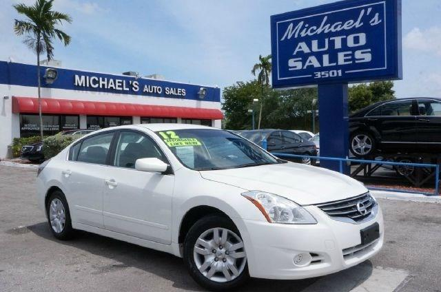 2012 NISSAN ALTIMA 25 S 4DR SEDAN winter frost pearl dont let the miles fool you get ready to e